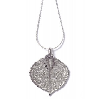Медальон с посребрено листо от трепетлика