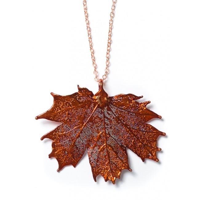 Медальон с листо от клен, покрито с иридисцентна мед